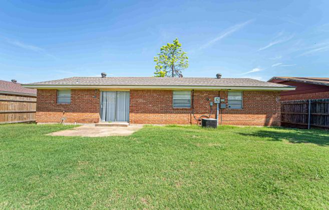 Moore, Oklahoma, 3 Bedrooms Bedrooms, ,2 BathroomsBathrooms,Single Family,For Rent,1009