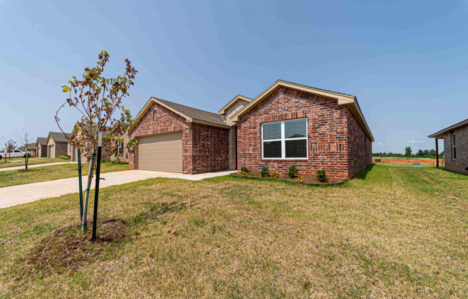 Tuttle, Oklahoma, 3 Bedrooms Bedrooms, ,2 BathroomsBathrooms,Single Family,For Rent,1010